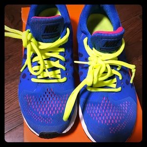 Great quality!! Only used once. NIKE Pegasus 31